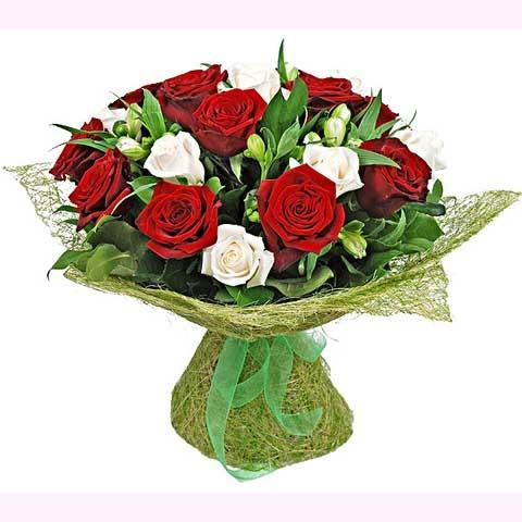 """Букет разноцветных роз """"Аромат любви"""""""