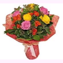 """Букет разноцветный """"Из ярких роз"""""""