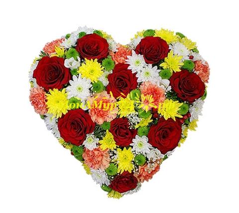 Сердце из цветов «Цвета любви»